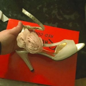 Ros Hommerson Gold Heels with Rose accent 10W
